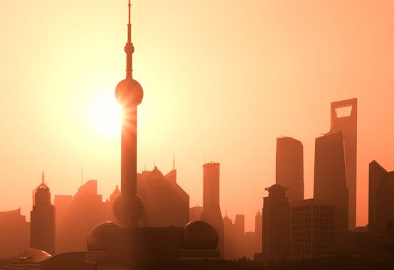 Shanghai's Pudong district photo: Cuiphoto / shutterstock